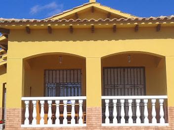 Fachadas y exteriores